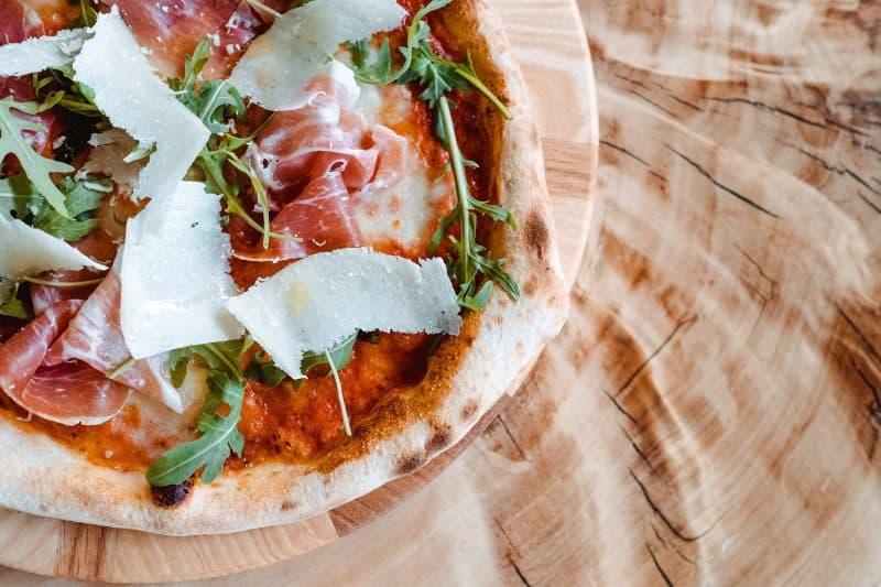 Пица Прошуто Крудо